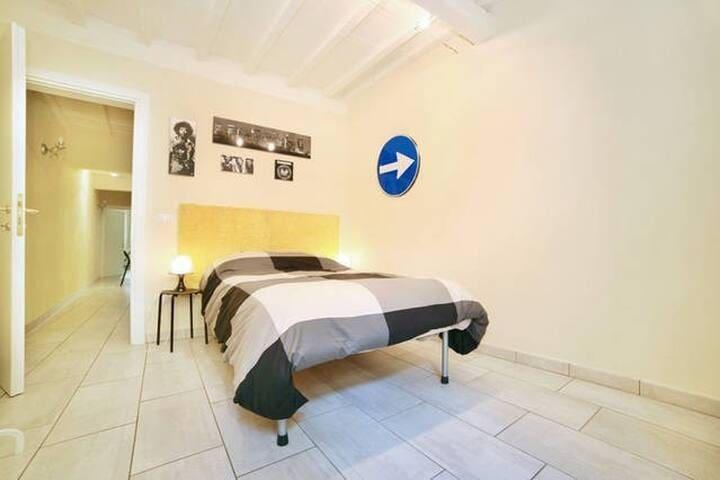 La Mandragola: your room downtown