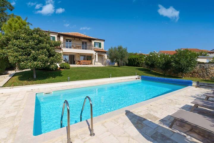 Villa Nika with swimming pool