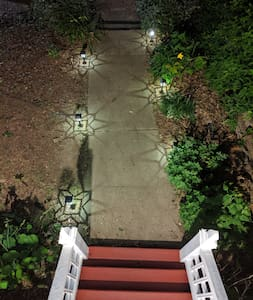 Lighted path to entryway