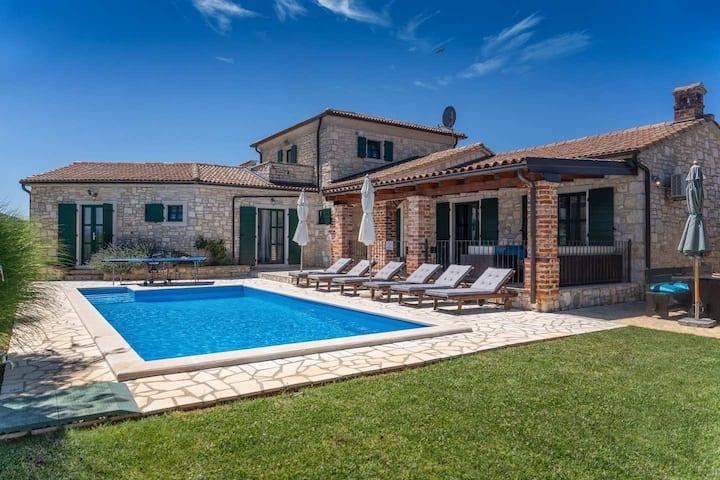 Villa Una for 8 persons with pool