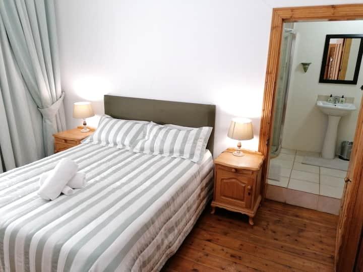 Vlakbult Farm Guesthouse Green Room