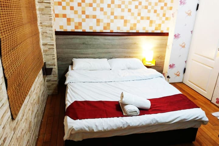 1double bed suit with bathroom    room2722