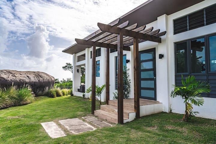 Tropical Cabin Paradise on Caribbean Sea