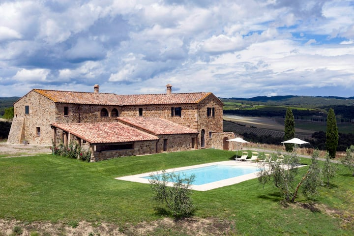 Fantastic in the tuscan countryside of Montalcino