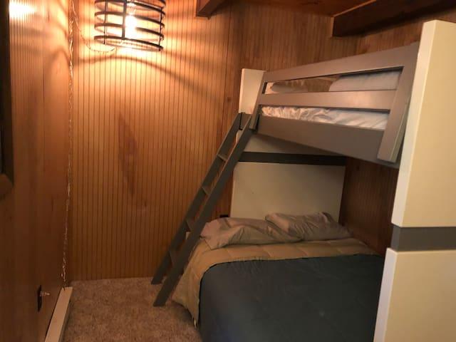 Lower level bedroom, twin over full