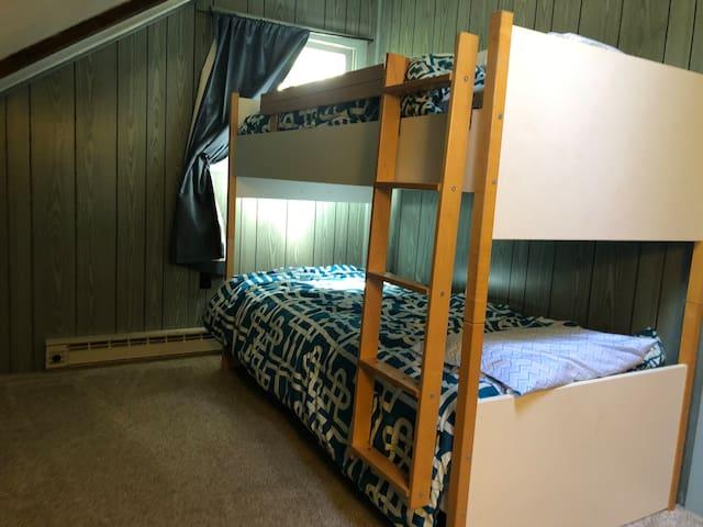 2nd floor bedroom, twin over twin