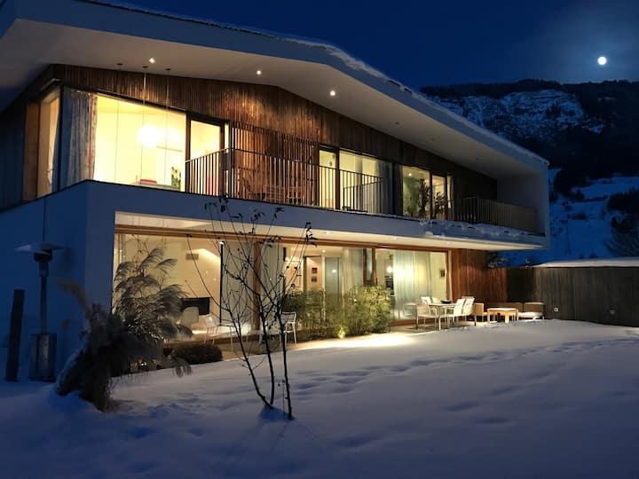 Designer Home, Beautiful Garden, Top Site