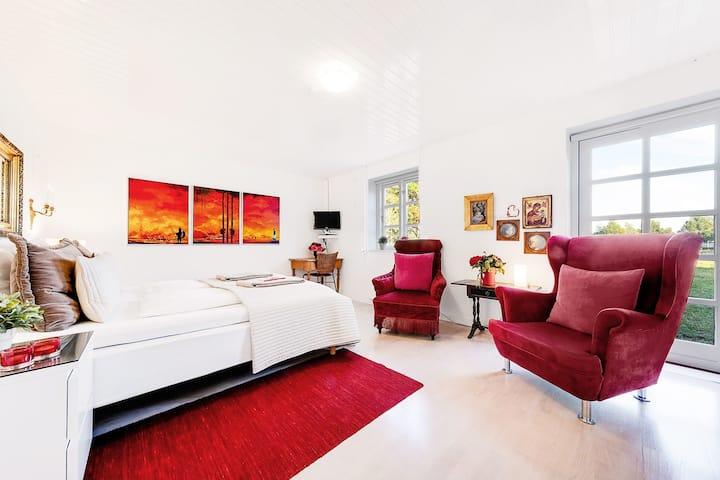 The red room at Åløkke BB