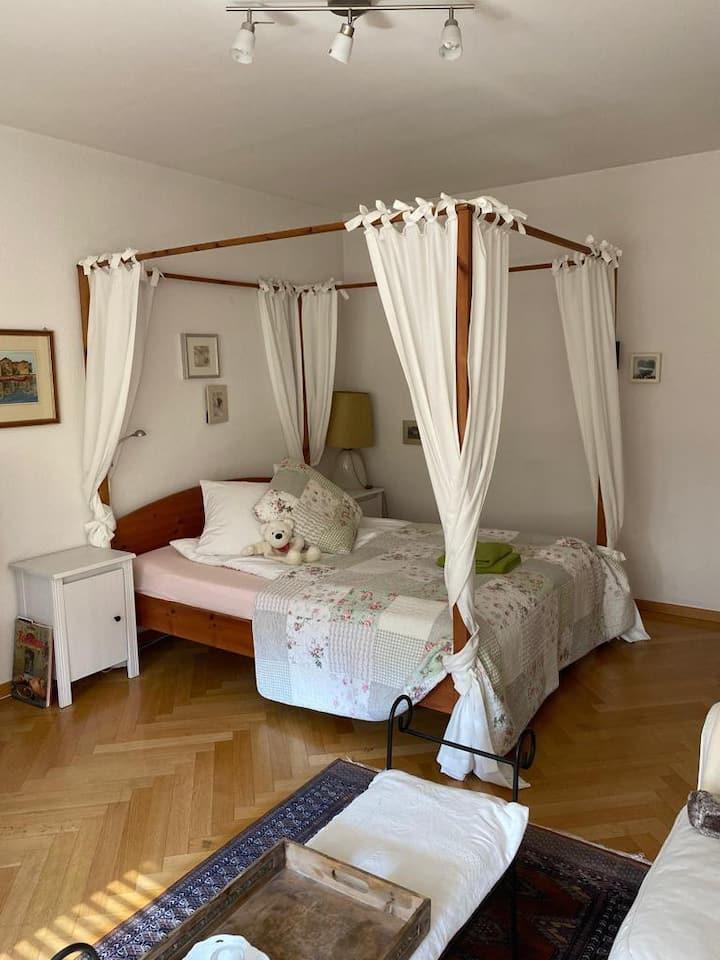 Romantic Room -  separate entrance