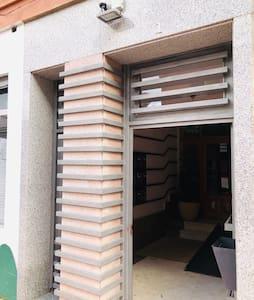 Puerta de acceso al edificio