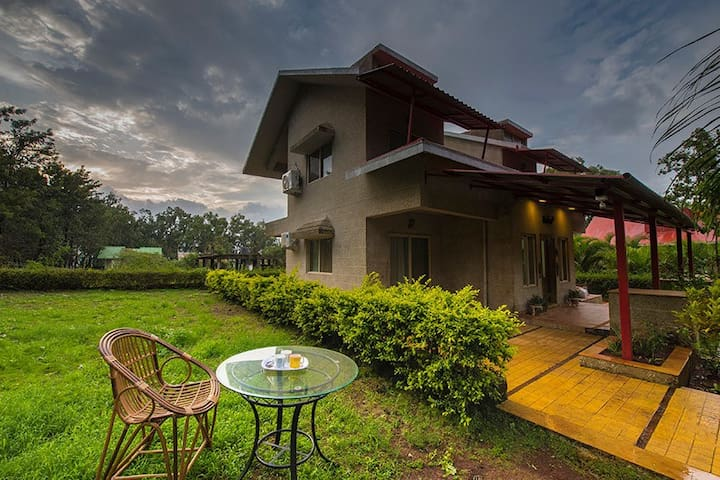 Windsor Castle - 4BHK Fully Furnished  Bungalow