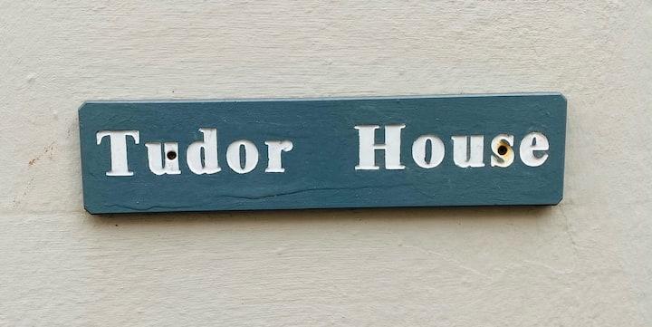 Tudor House a Sleeps 12 property