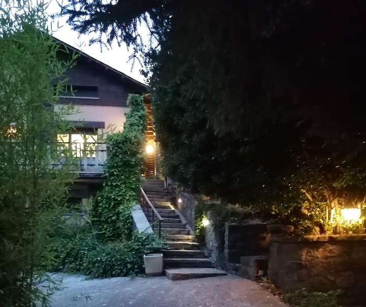 Bonica casa en plena natura, també ideal si sou 6!