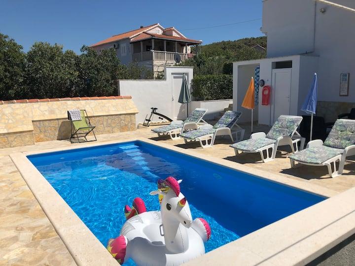 Pool Apt Mia,Great Sea Views from balcony