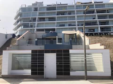 Oceanfront family home ,Beach House