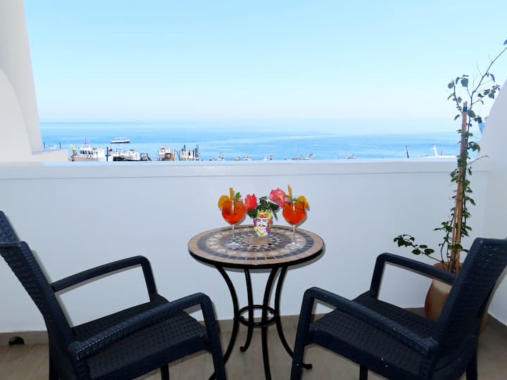 DeLuxe Double Room with terrace sea view