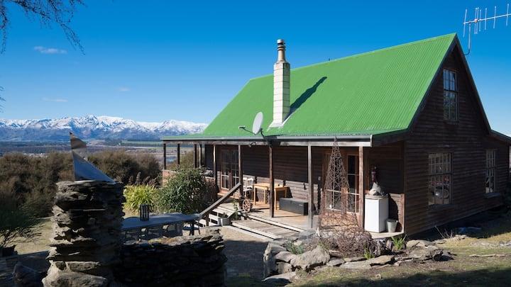 Irongate: Charming Alpine Cottage