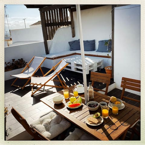 Old Vejer Private Terrace Garage WiFi A/C