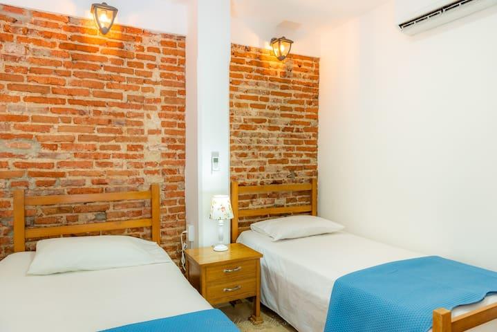 Standard Double Room/ Private Restroom/ Quiet Air Conditioner/ Flat TV/ Garden View