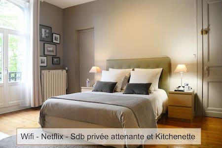 """ma chambre chic """"Avenue"""""""