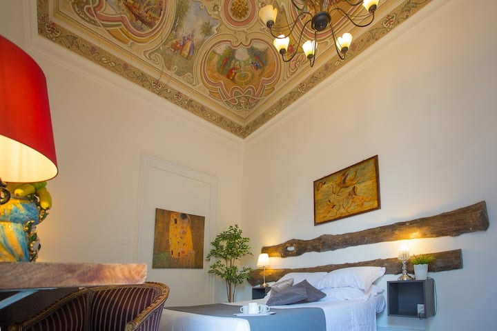 Deluxe or twin room Palazzo bruca catania
