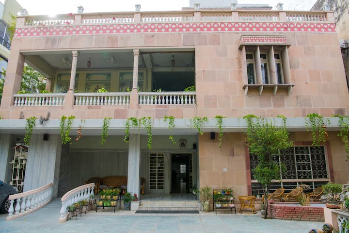 Luxury double room at boutique Jaipur property