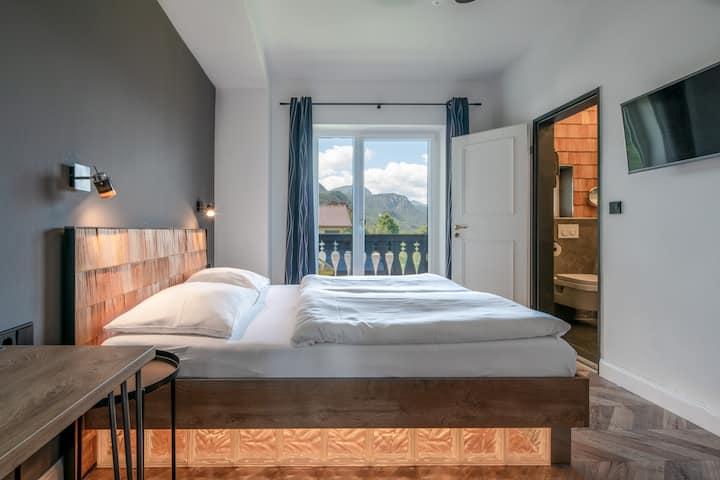 Doppelzimmer mit Balkon, Bergblick & Frühstück