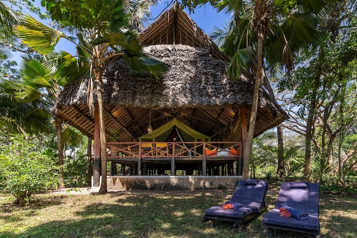 Diani Marine_Luxury Safari Zelt_beach view