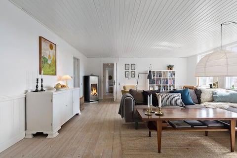 210 m2 vila s krásnym výhľadom & Veľká uzavretá záhrada