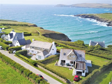 Luxury clifftop house at Treyarnon, near Padstow