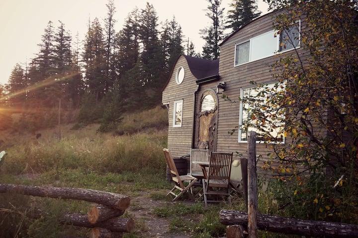 Tiny House Getaway w/Hot Tub