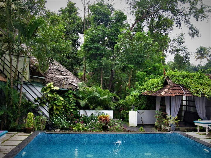4  villas 9 pax full sanitation on each check out