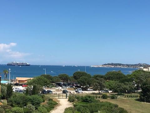 Large studio, amazing sea view and St-Tropez Wifi