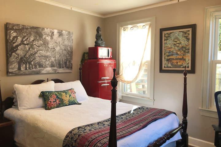 Quiet Suburban Savannah Home