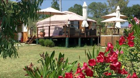 Glamping Abruzzo - The Yurt