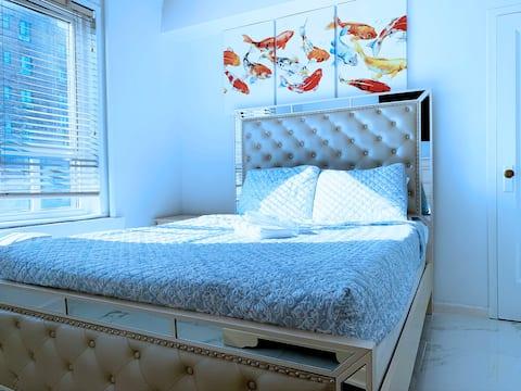 Natural light comfortable room!