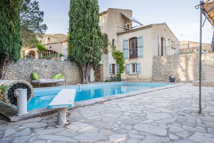 holiday rental Nyons private pool welness Drôme