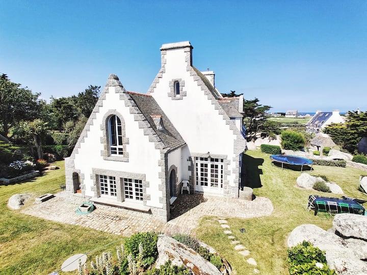 Comfortable, spacious seaside house