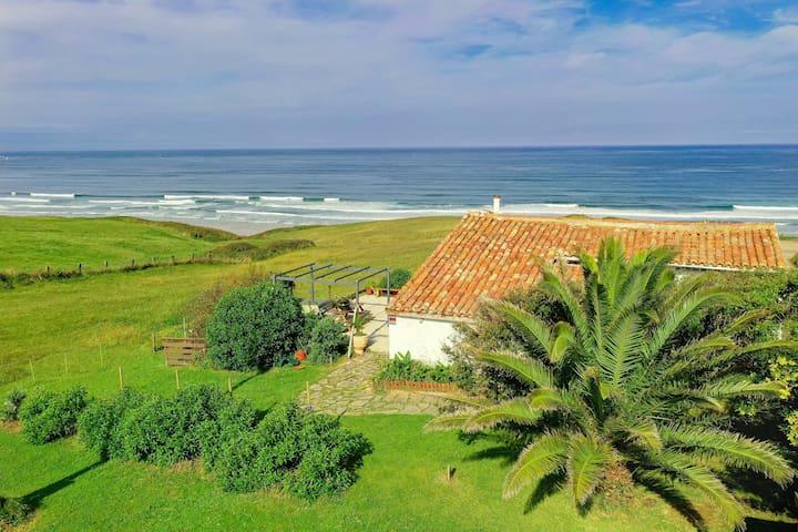 Oceanfront house San Vicente de la Barquera
