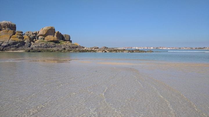 Atico al lado de  playa y mar a 50 min de Santiago