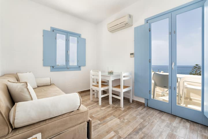 Stratos Apartment with Sea View