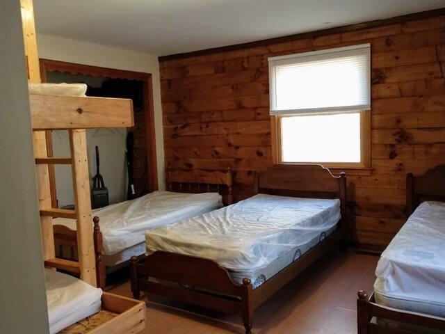 BR 2 five beds