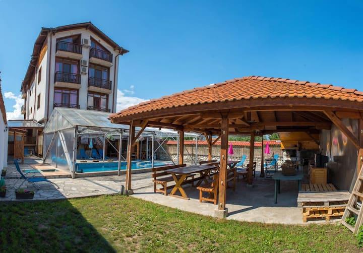 Family hotel Carpe Diem Banya 3*