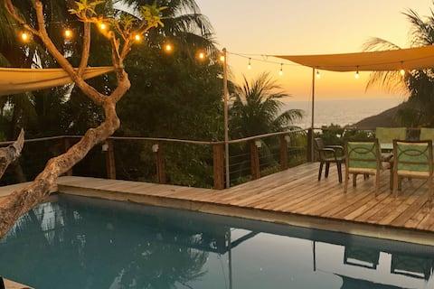 Casa de Playa frente al mar en complejo privado.