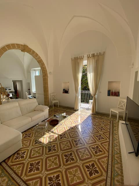 Charming renovated apartment Close to the Beach