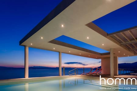 600m² homm Luxury Villa sea side Evia, 19ppl