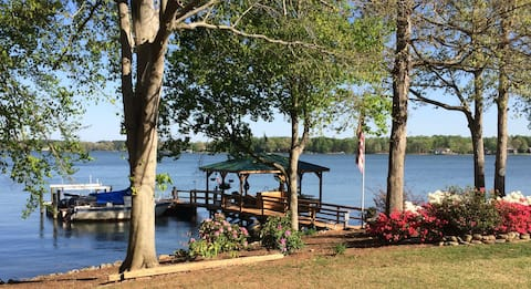 Peaceful and Private Suite on LKN Main Channel