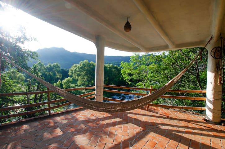 """""""Casa Paraíso"""", Country-tropical house"""