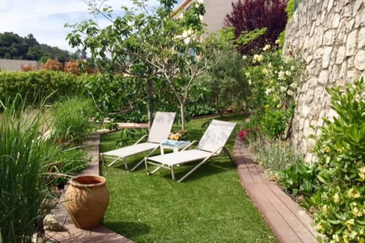 Villa 3 pièces 100m2, jardin terrasse 400m2
