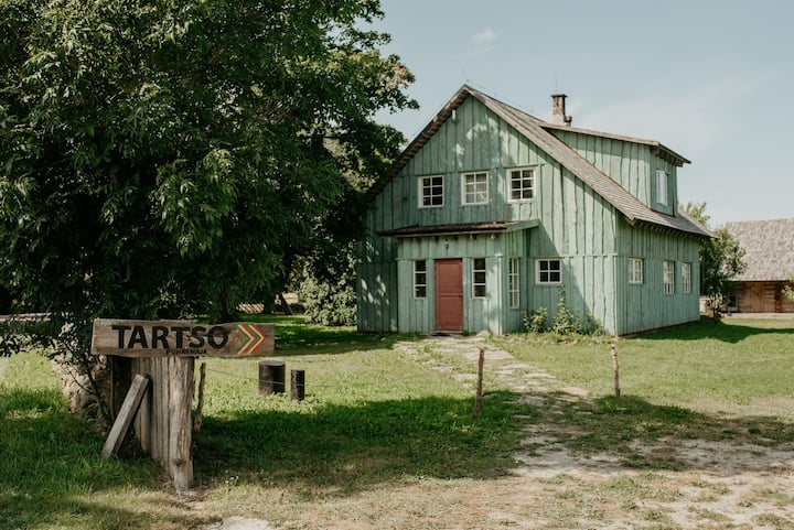 Tartso Holiday House